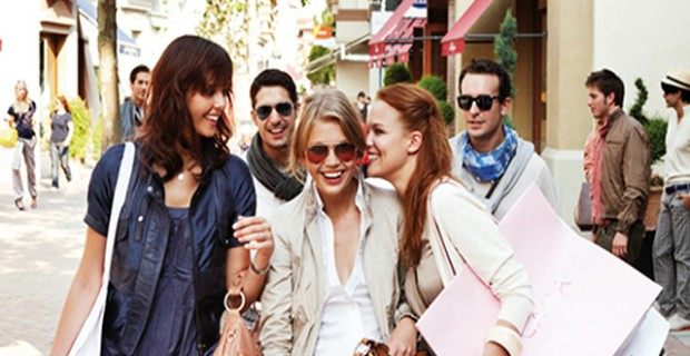 outlet village shopping trend vacanze